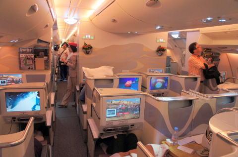 エミレーツ航空 A380 ビジネスクラス搭乗記 バンコク⇒ドバイ : エアバスA380の搭乗記のリンクを集めてみた - NAVER まとめ